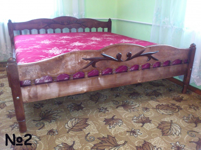 Кровати из масива