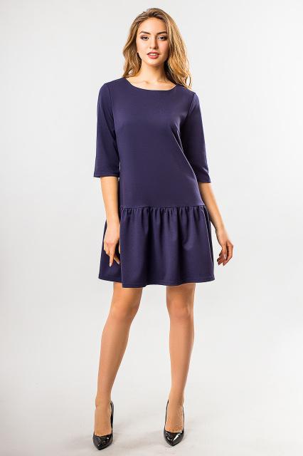 Теплое платье с оборкой по низу темно-синего цвета