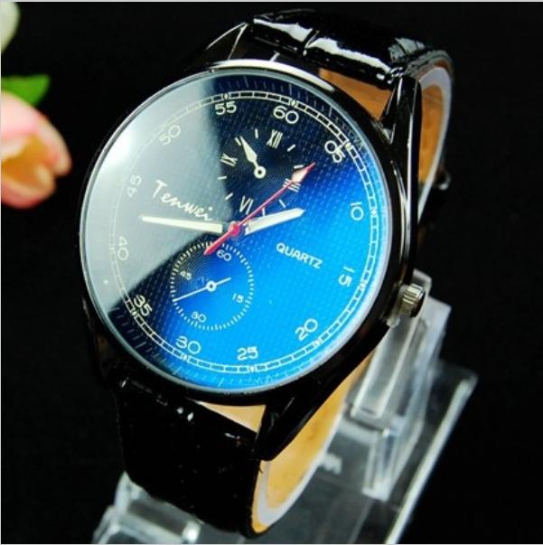 Прикольные часы-хамелеоны, меняющие цвет циферблата от температуры.