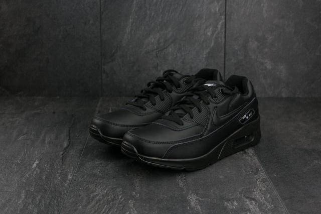 dadc84e8 Мужские кроссовки. Обувь Nike Air Max подчеркивает классический дизайн  оригинального образца 1990 года. Легендарный каблук с воздухом, который.