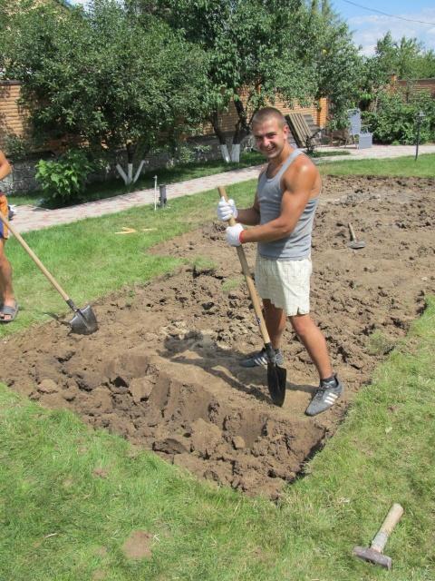 земляные роботы:колодцы,траншеи,бассейны,сливные ямы и т.д.