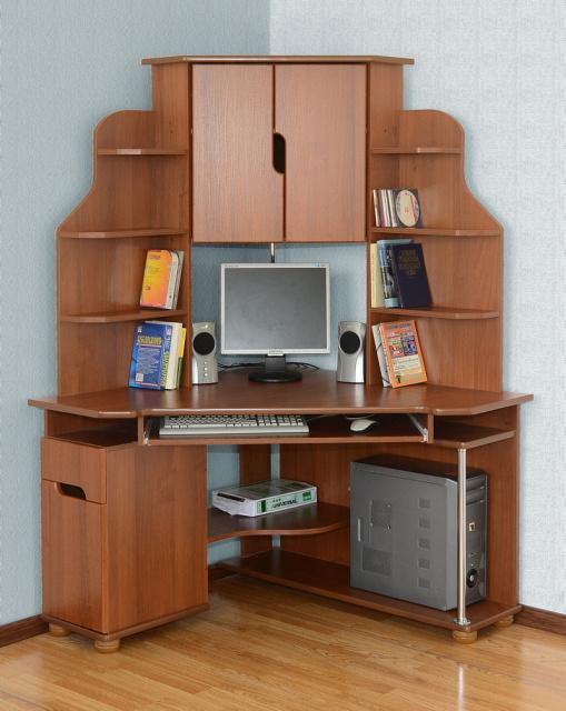 Угловой компьютерный стол «Форум»