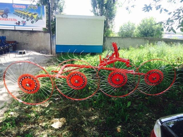 Граблі колісно-пальцеві навісні ГВН 4,5-ти колісні «Сонечко»