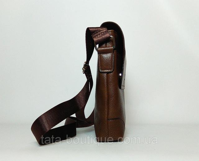 Размер  21см х 19см х 4см Цвет  коричневый Материал  кожа PU  Характеристика  - главное отделение закрывается на молнию и клапаном на. d4750af2a7ec4