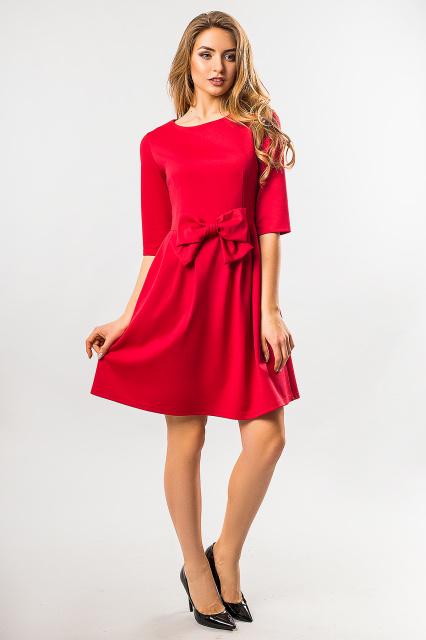 Красное платье с бантом